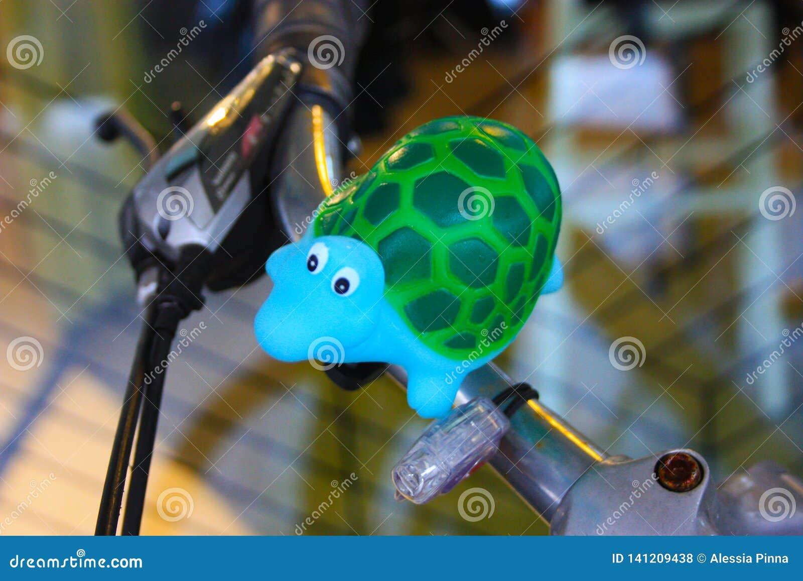 Poca tortuga es la decoración de una bici