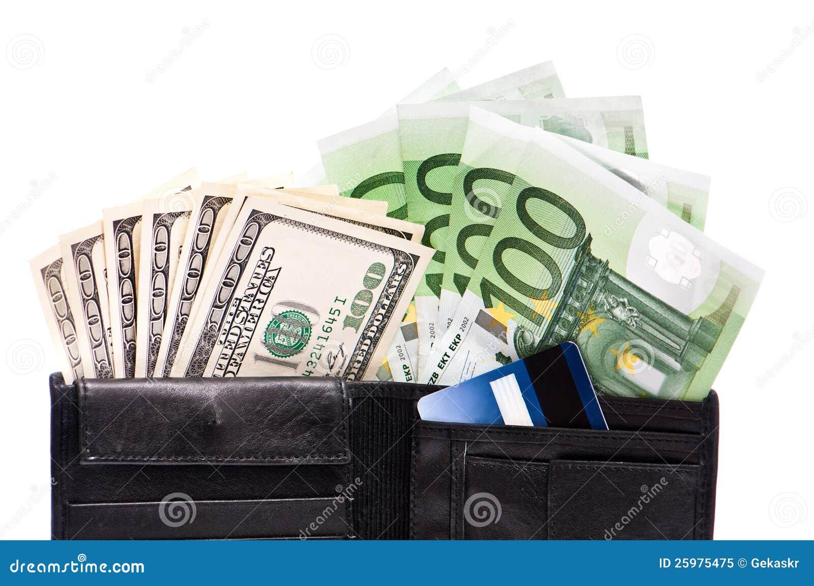 Pochette avec des billets de banque et des cartes de crédit