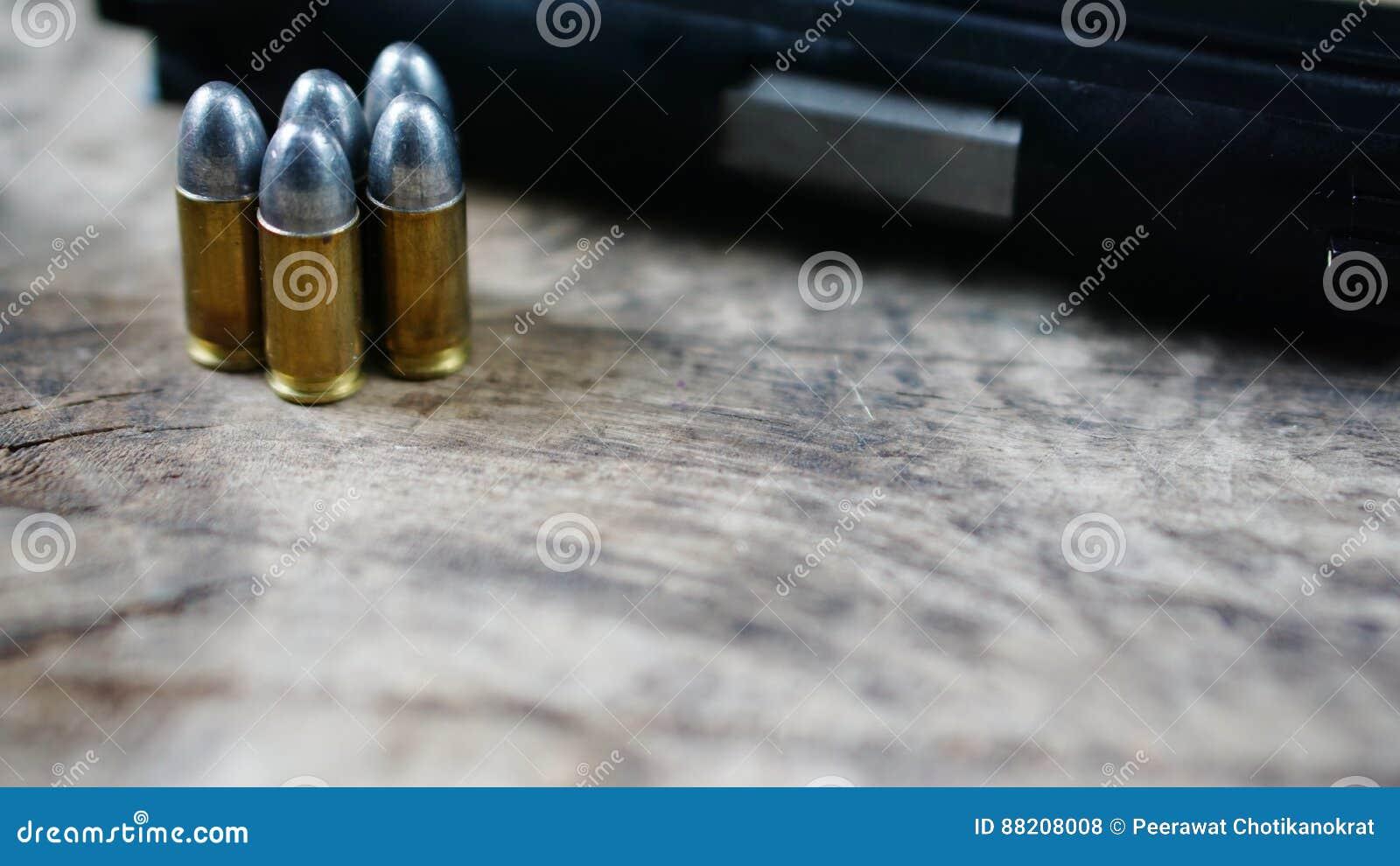 Pociski i Pistolet
