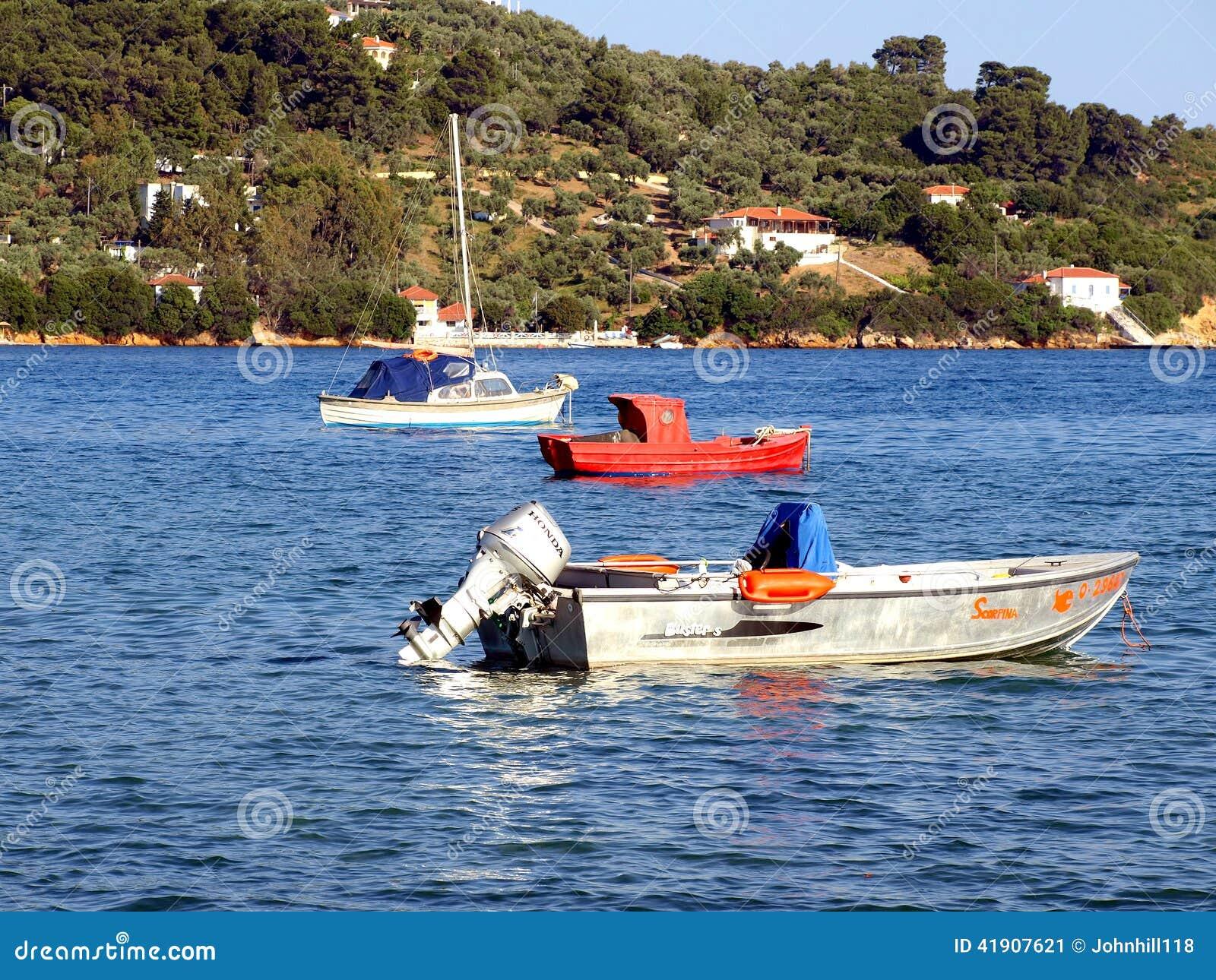 Poco barco rojo