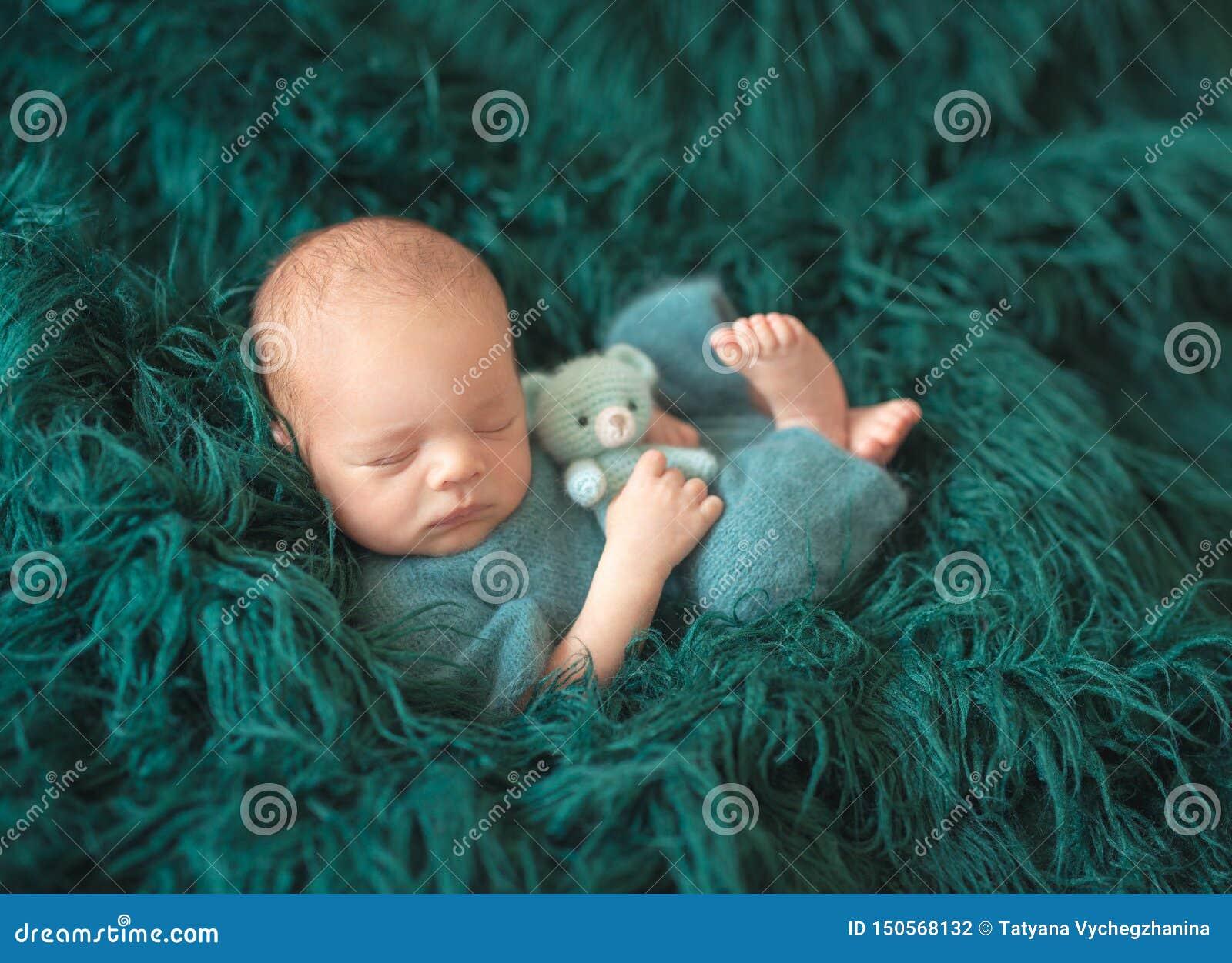 Poco beb? que duerme dulce