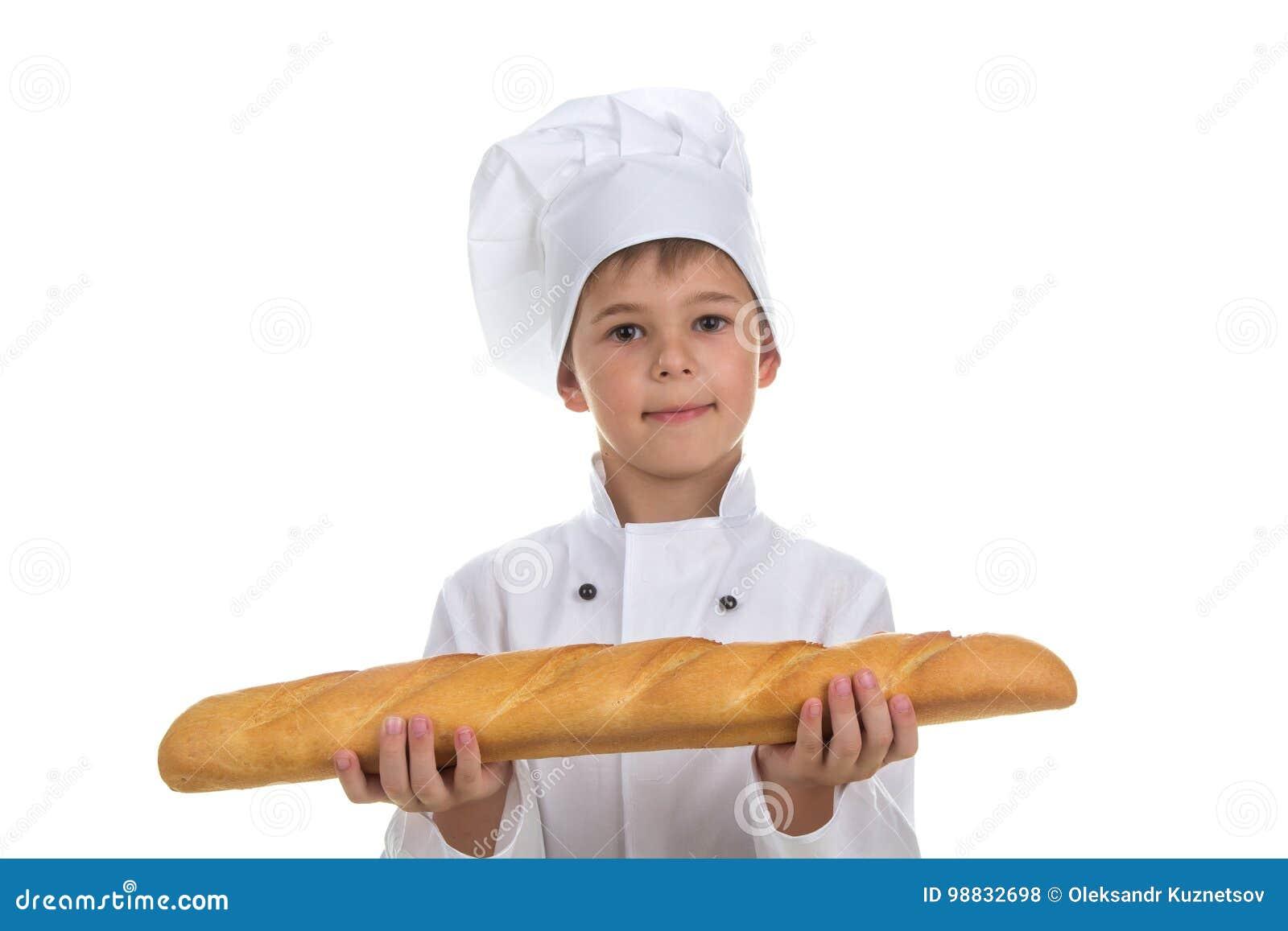 Poco cocinero Boy With Bread Aislado en el fondo blanco