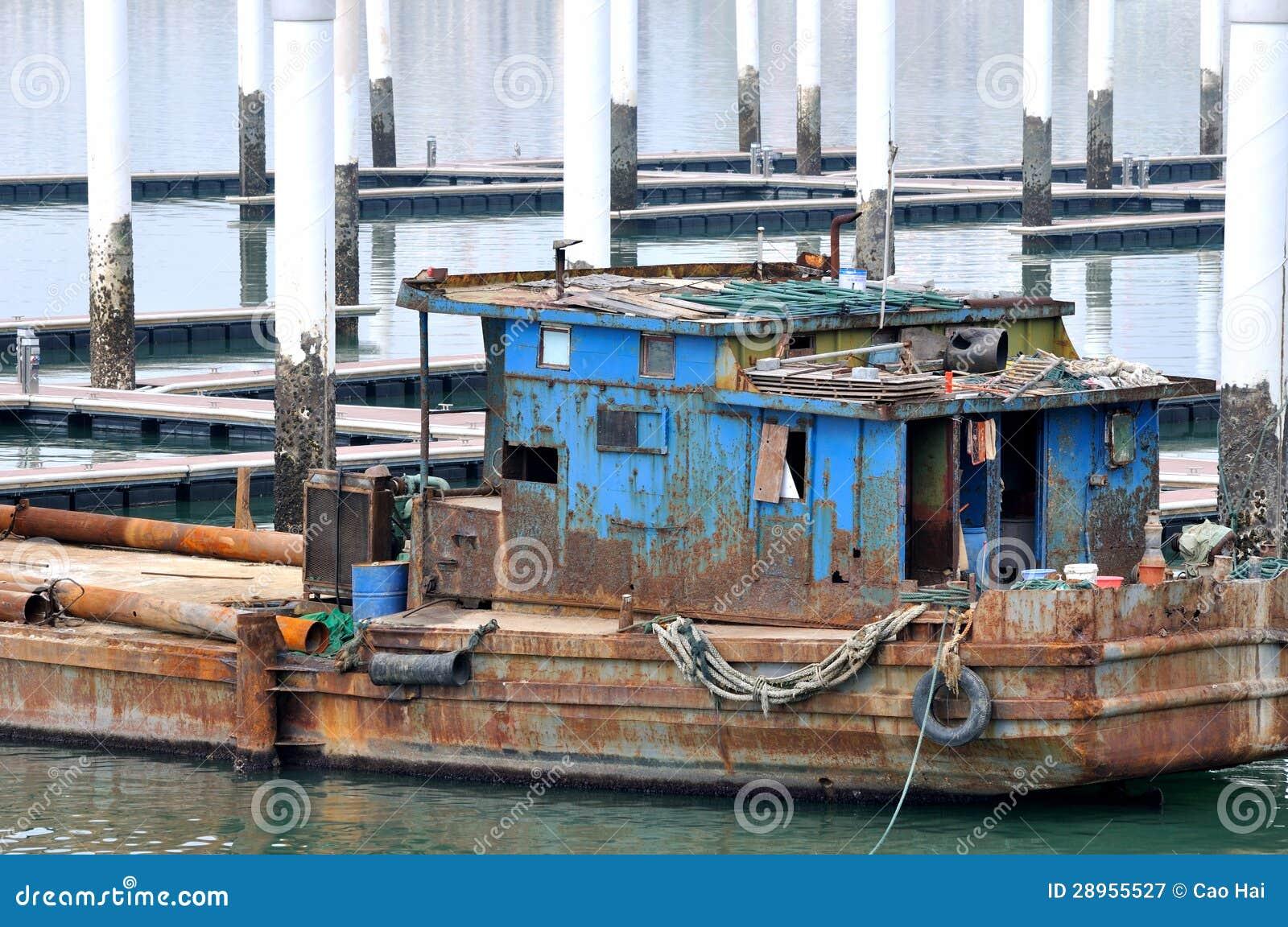 Podławy łódkowaty działanie przy dokiem