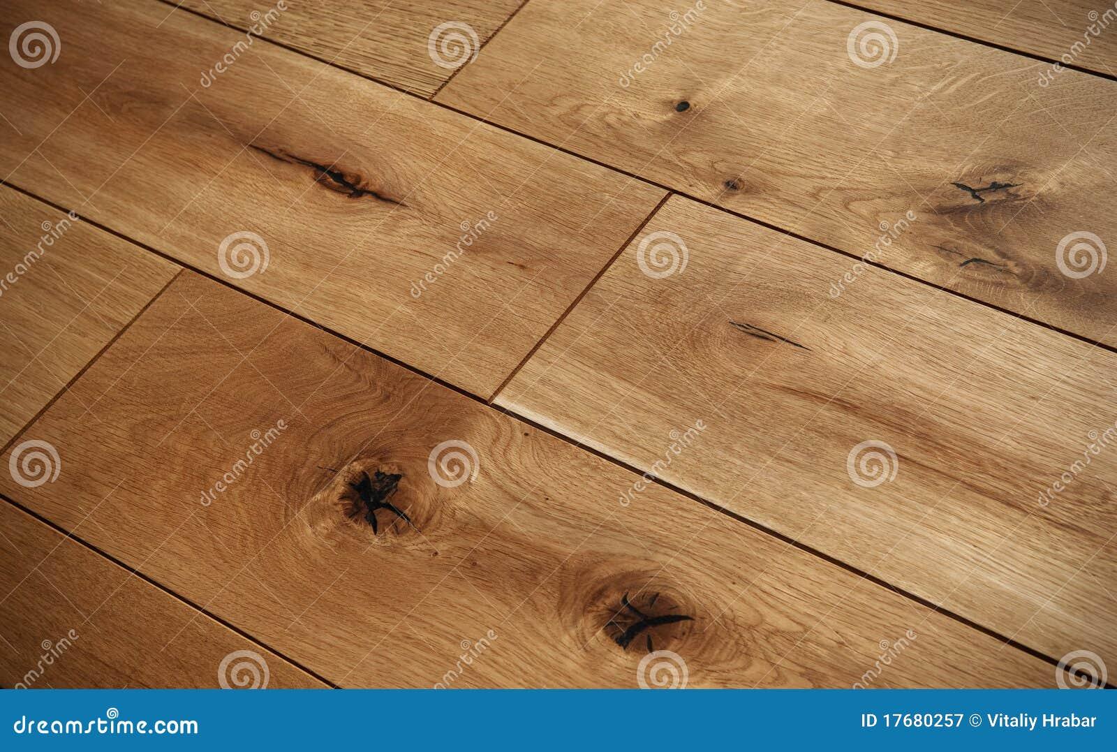 Podłogowy parkietowy drewniany
