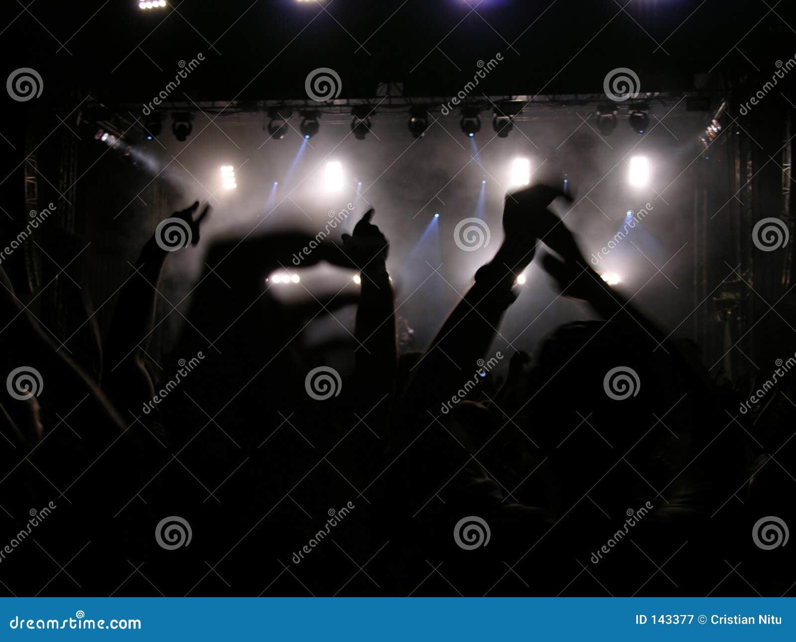 Podaj to każdy koncert się