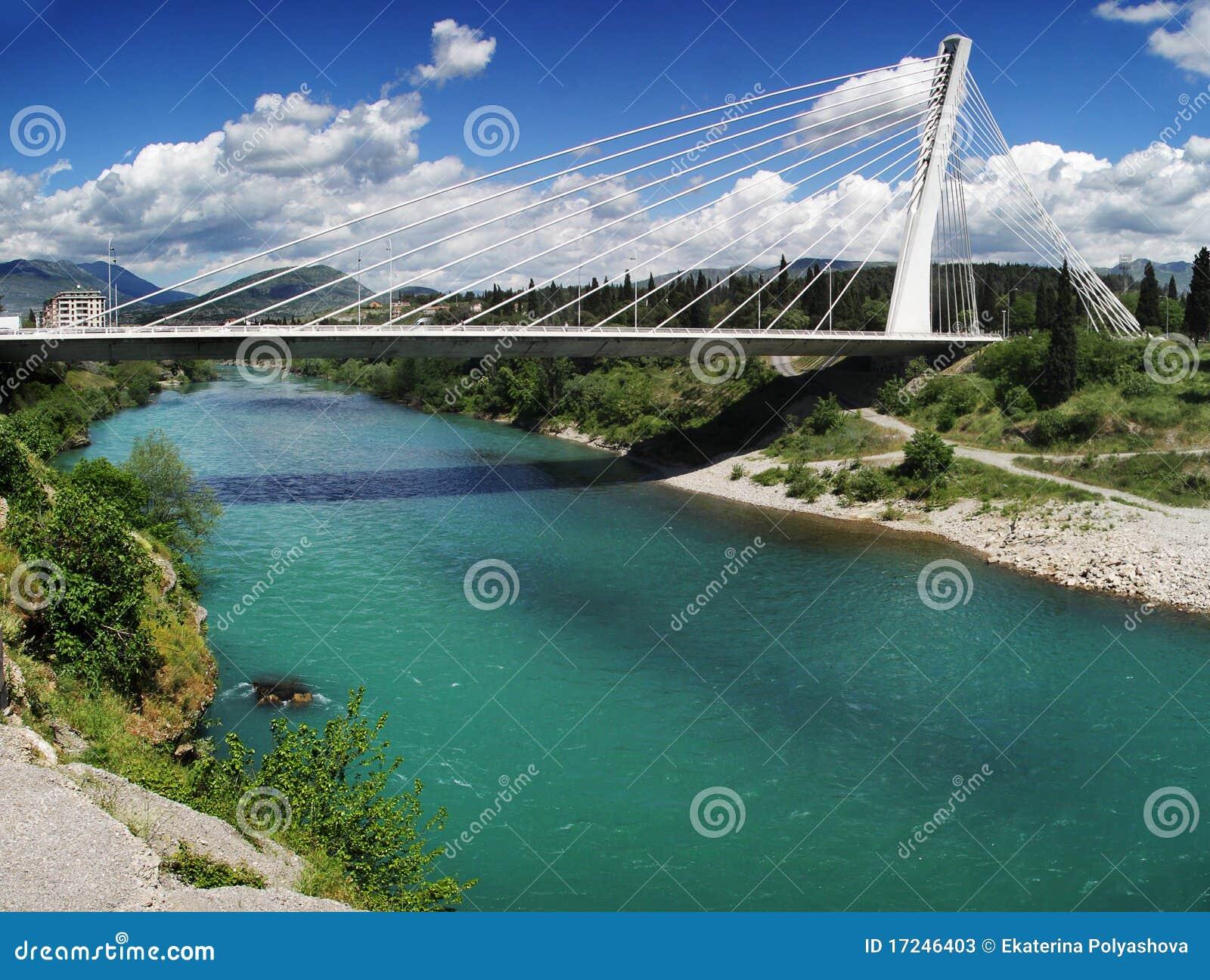 Podgorica, Monténégro. Passerelle de millénium.