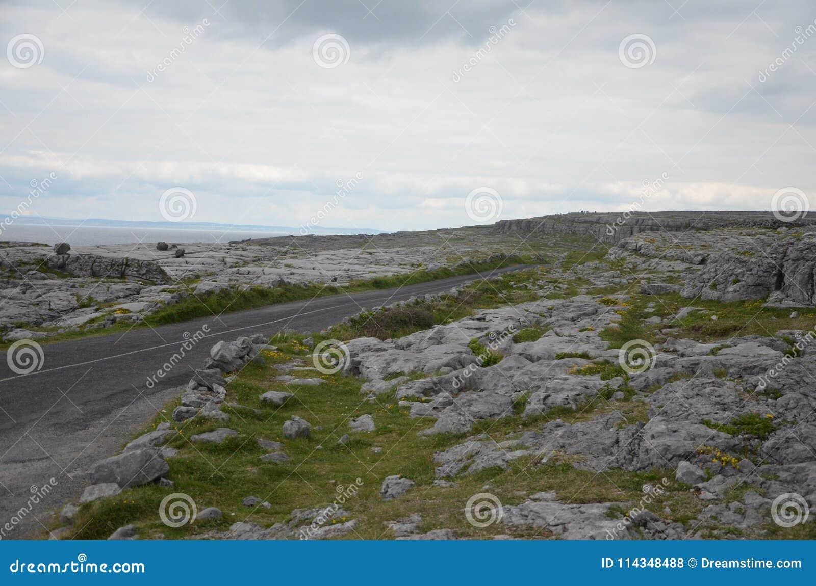 Podróżować przez pięknego Irlandia w wiośnie 2016