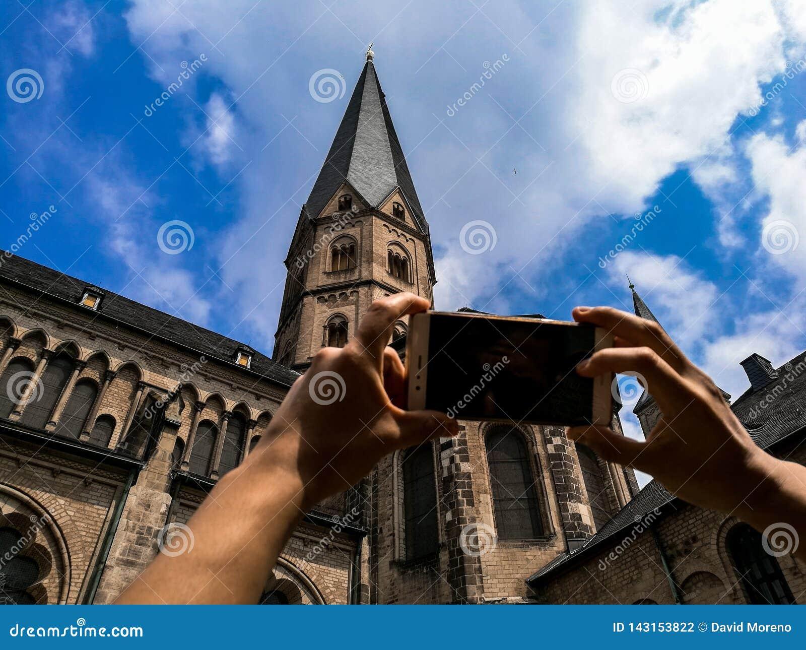 Podróży pojęcie - Turystyczny fotografii wierza