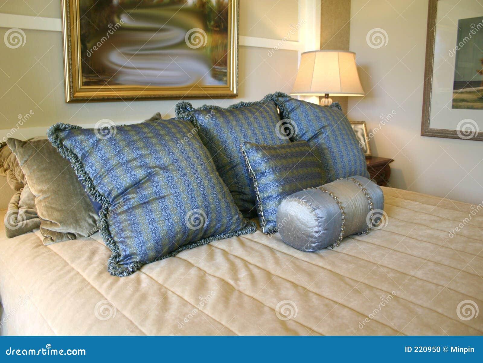 Poduszki atłasowe niebieskie