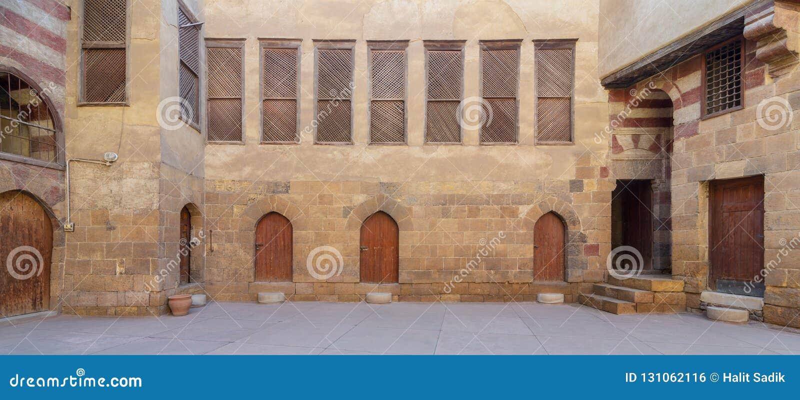 Podwórze El Razzaz historyczny dom, lokalizować przy Darb al okręgiem, Kair, Egipt