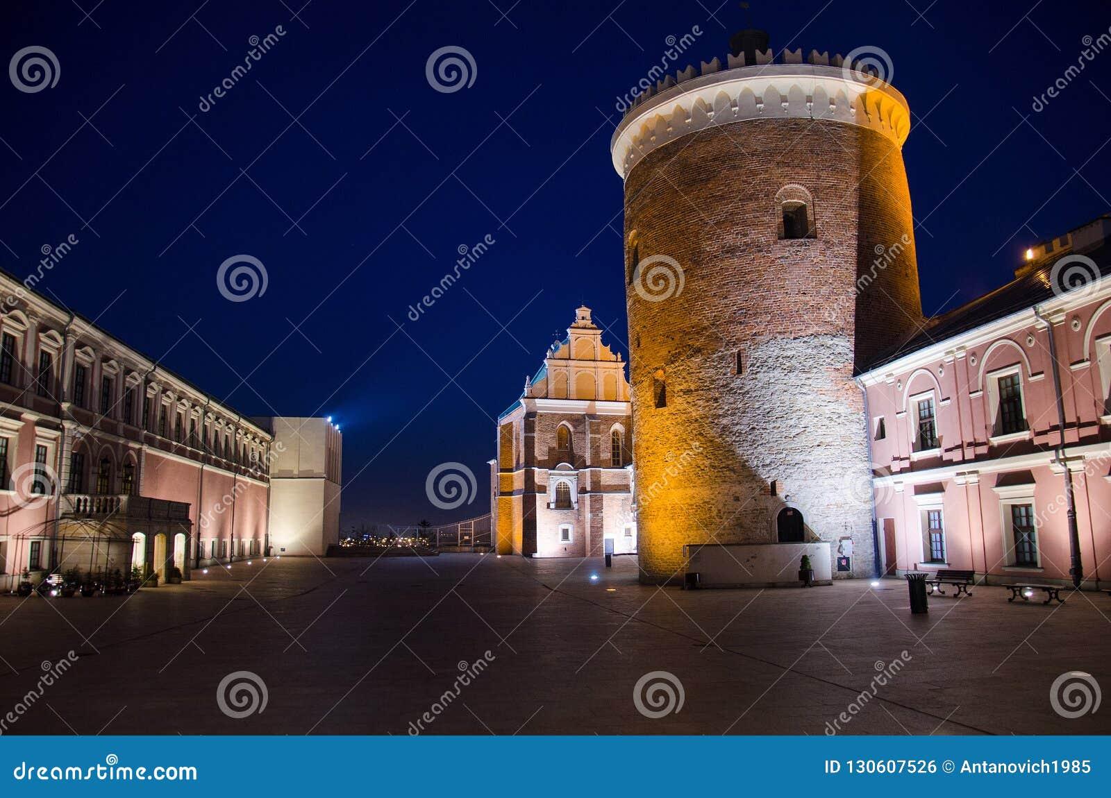 Podwórze i wierza królewski kasztel Lublin, Polska