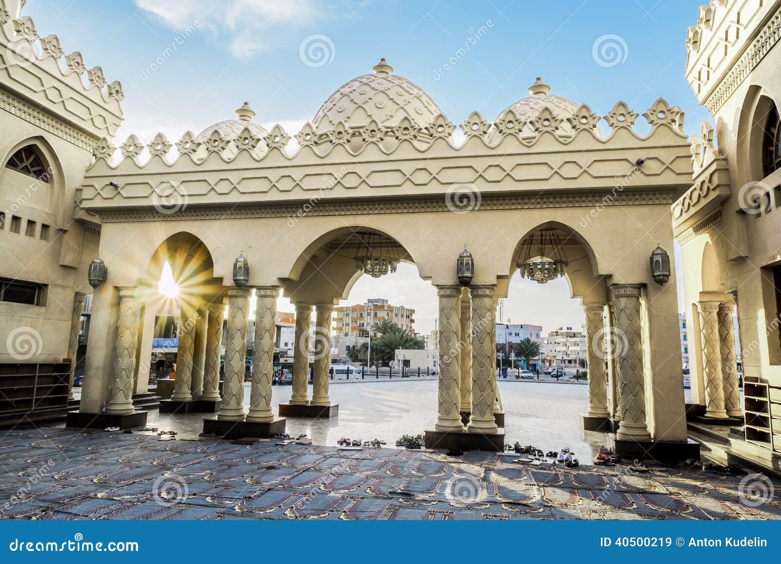 Podwórze meczet w Hurghada