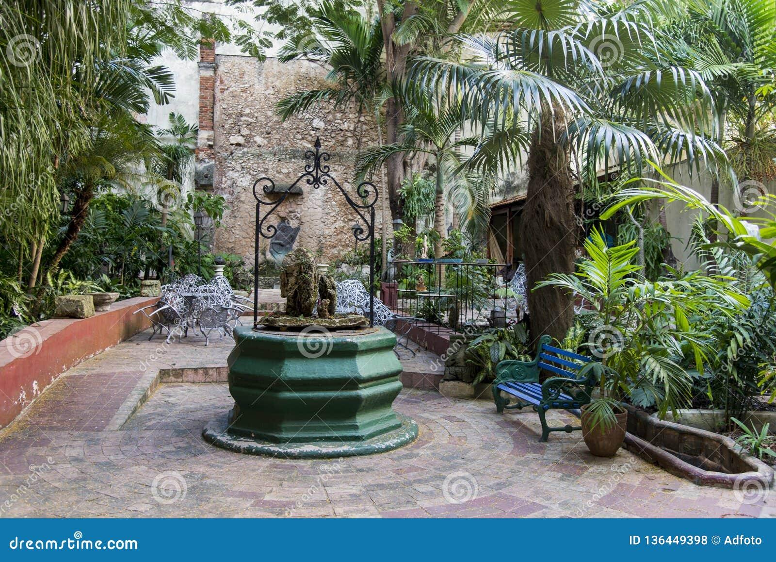 Podwórze stary kolonisty dom - Kuba
