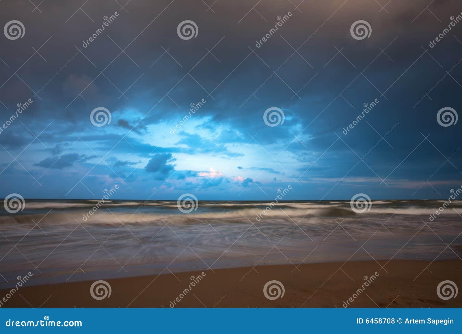 Pogoda sztormowa morska