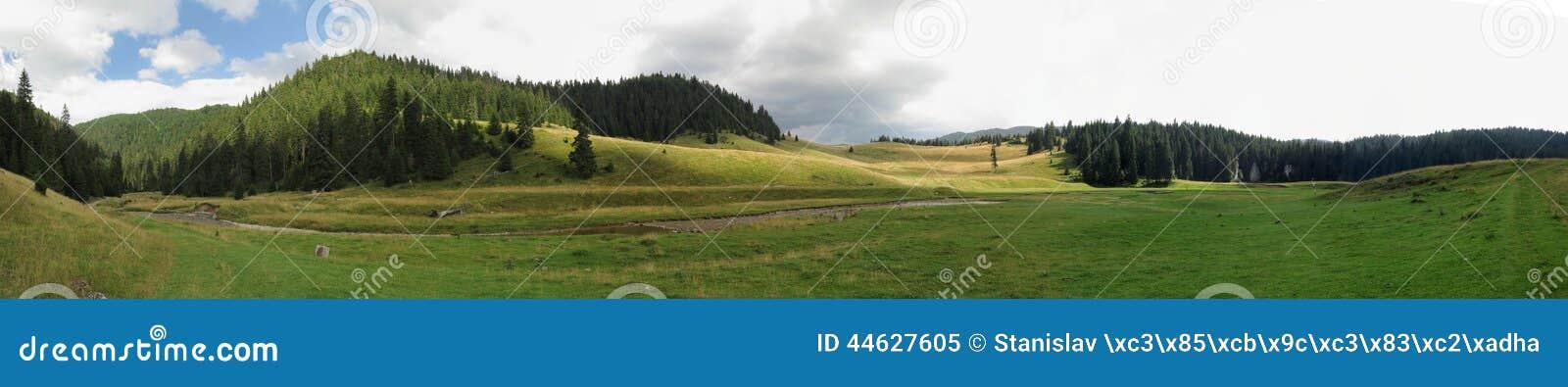 Poiana Ponor - Tal in Bihor-carst Bergen in Apuseni in Rumänien