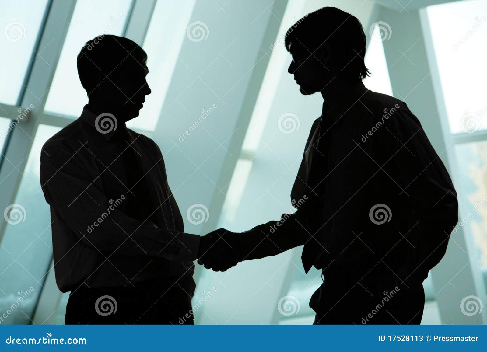 Poignée de main d hommes