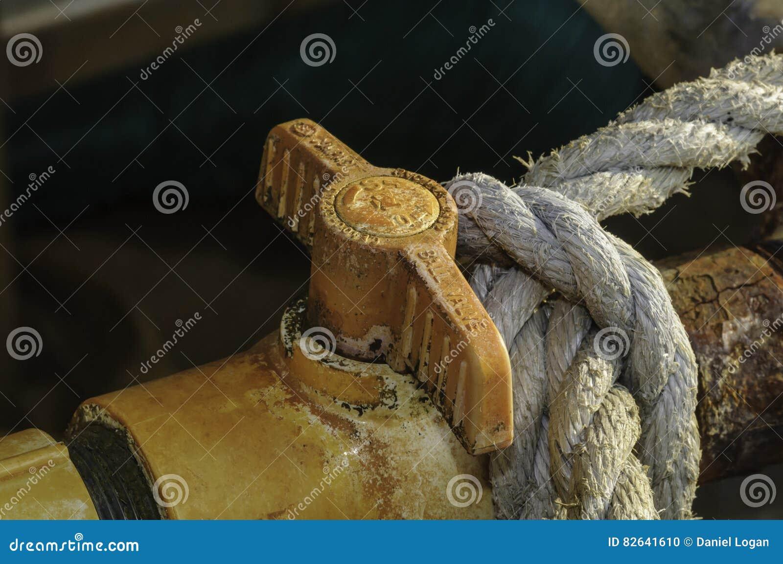 Poignée sale de valve