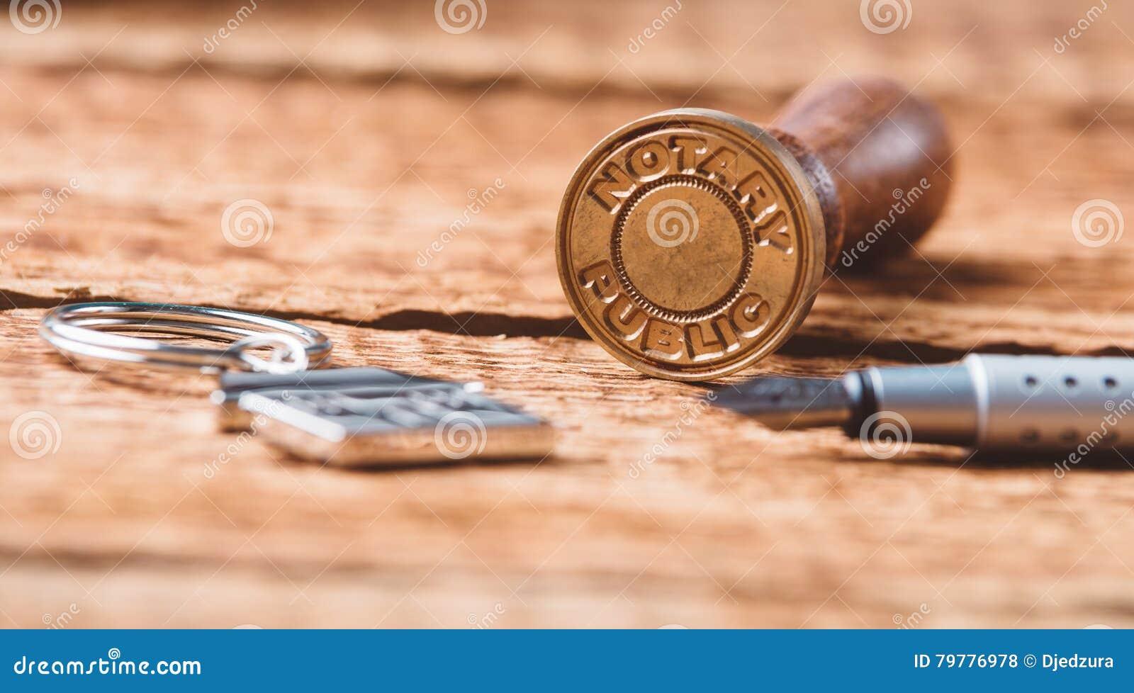 Poinçonneuse de cire de notaire