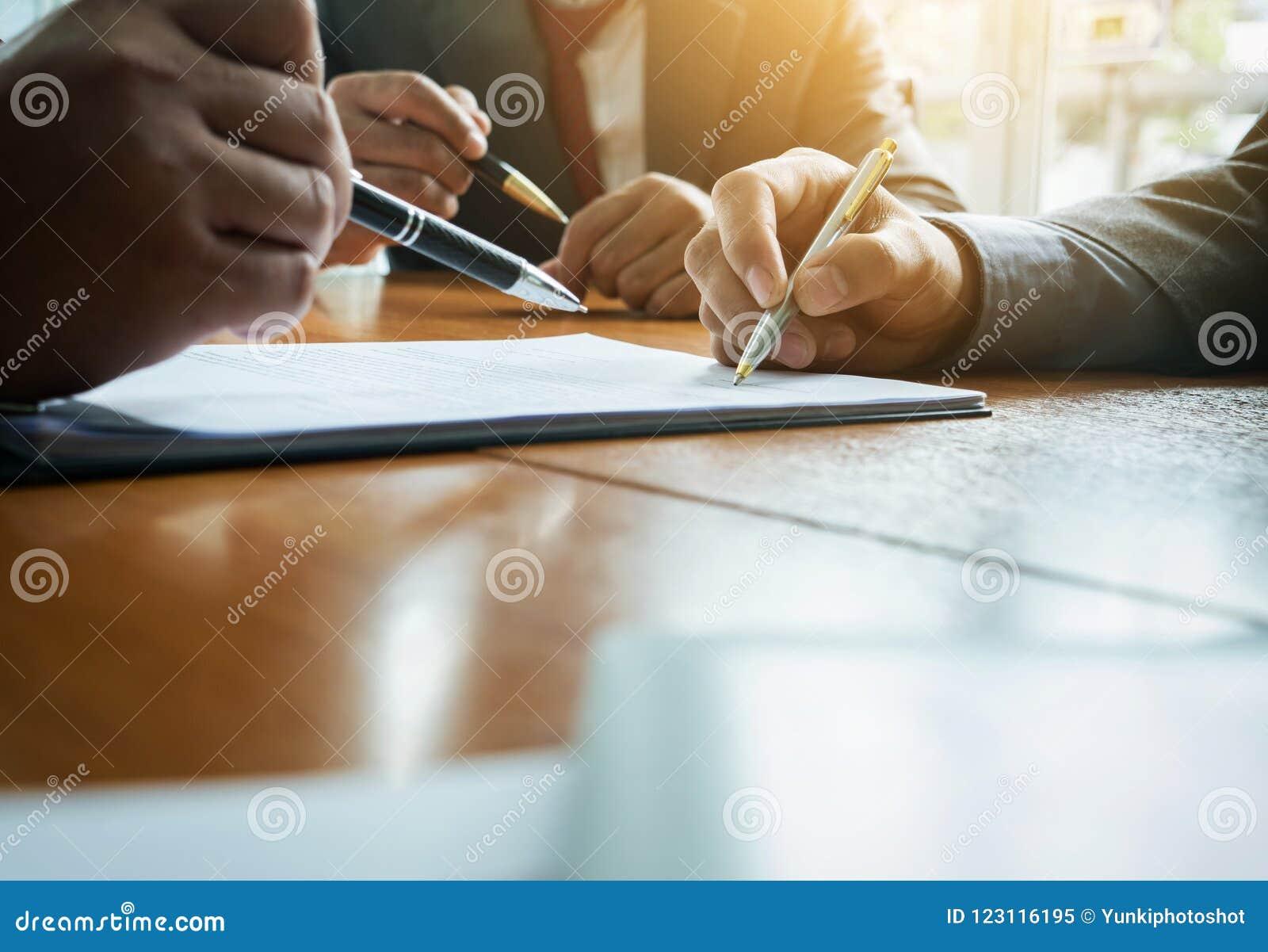 Rencontre Doctorale Internationale : La commande (XIIIe-XVIIe s.) : acteurs, contrats et productions.