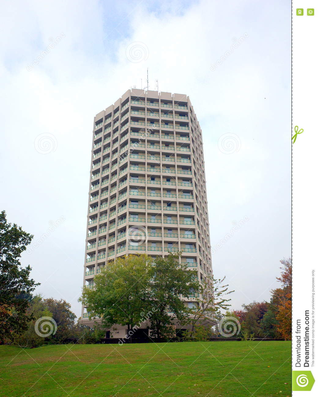 bracknellengland october 25 2016 point royal a concrete apartment block in bracknell england was completed in 1964 from a design by philip dowson and - Concrete Apartment 2016