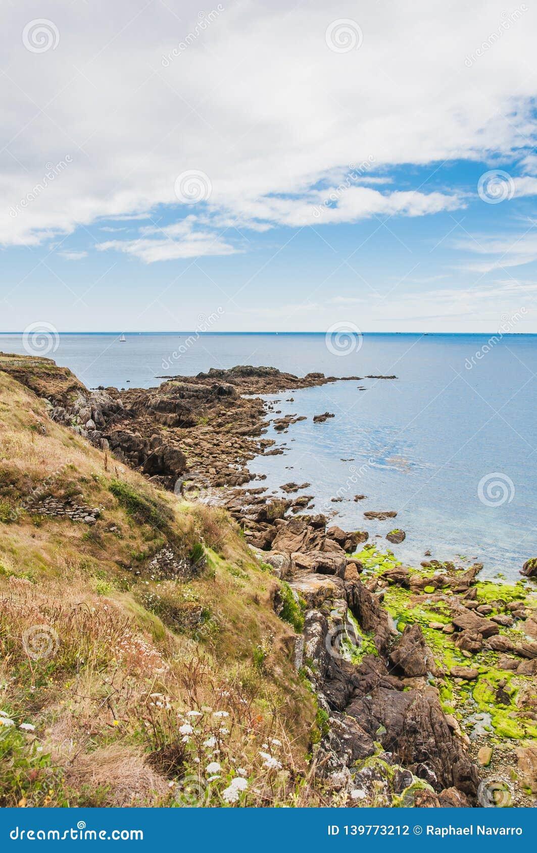 Pointe圣马蒂厄在普卢贡韦兰在Finistère