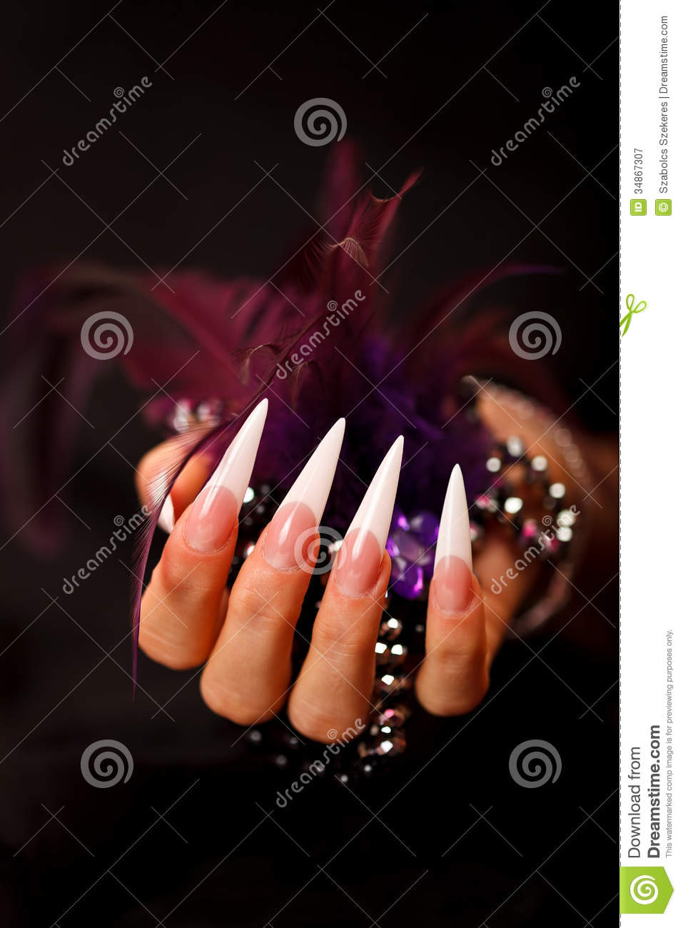 Black Pointed Nails Pointed nails