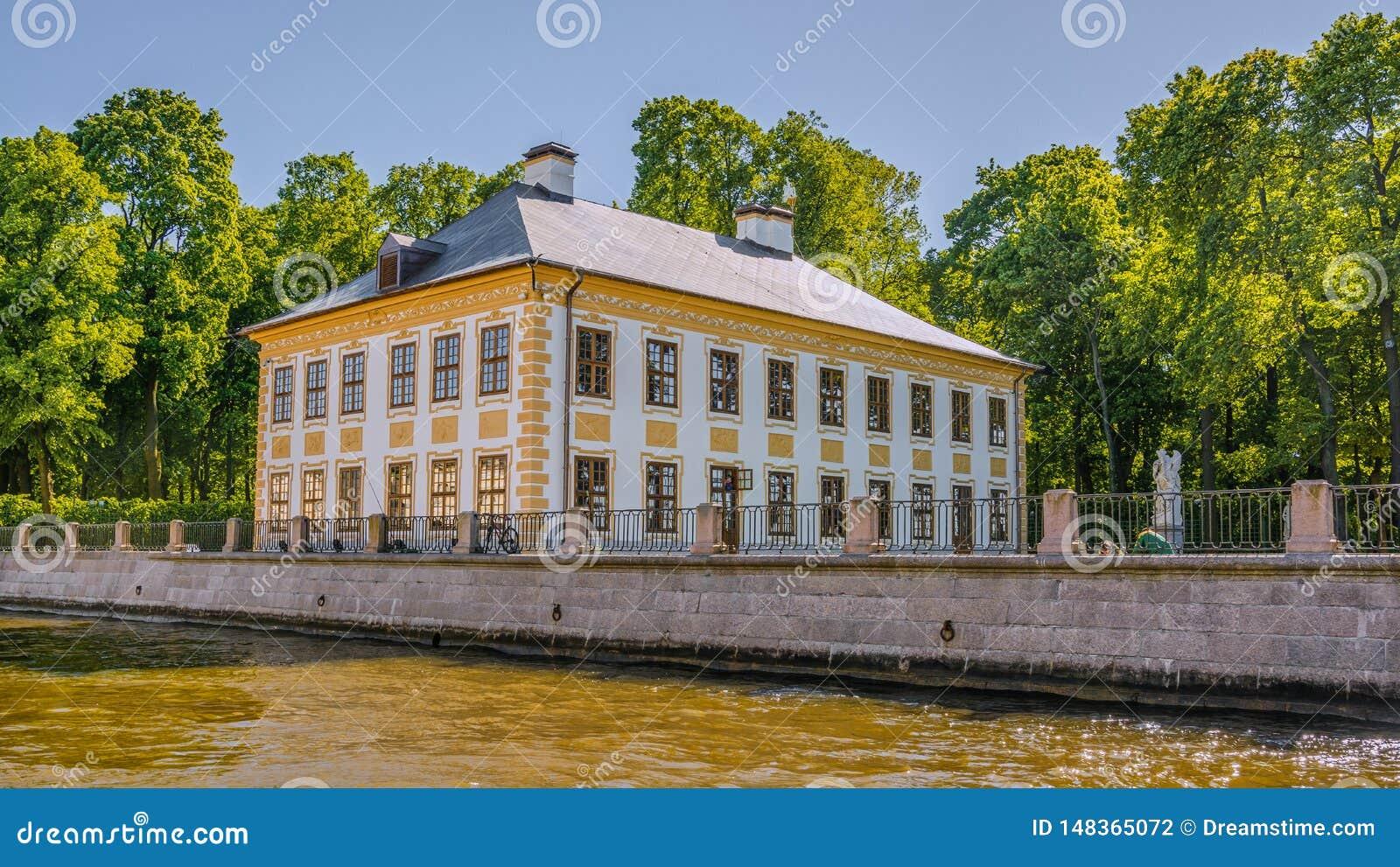 Points de rep?re St Petersburg, Russie dans Tsarskoe Selo le jardin d Alexandre