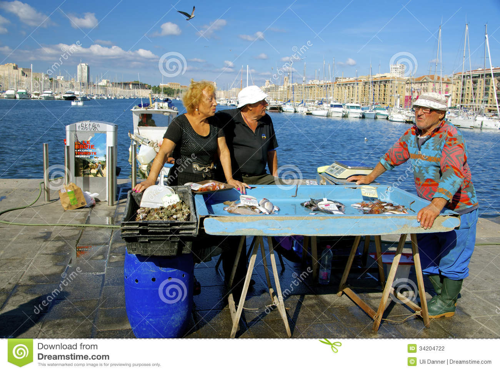 Poissonnerie vieux port marseille photographie ditorial - Restaurant poisson marseille vieux port ...