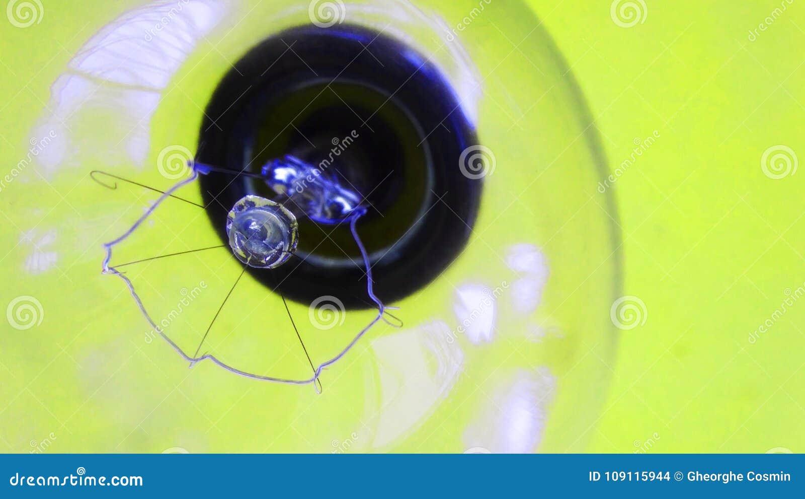 Pojęcia żarówki pomysł ilustracji światła wektora bańka jasnożółta elektryczność