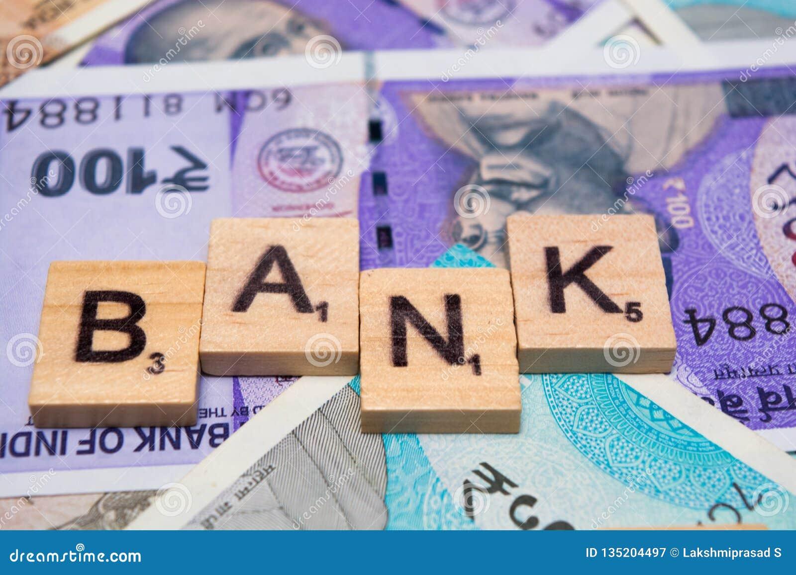 Pojęcie bank z Indiańskimi walut notatkami