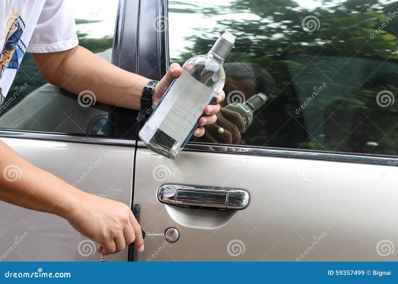 Pojęcie Pijący kierowcy socjalny problem