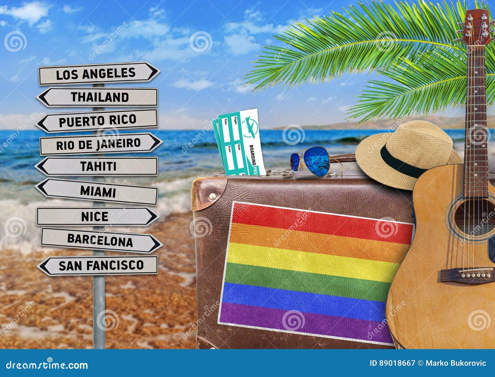 Pojęcie podróżuje z starą walizką lato i LGBT zaznaczamy