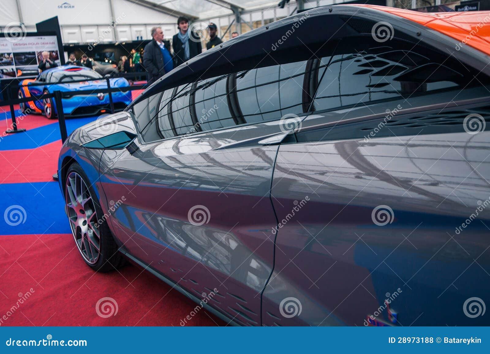 Pojęcie samochodowy Bertone Nuccio