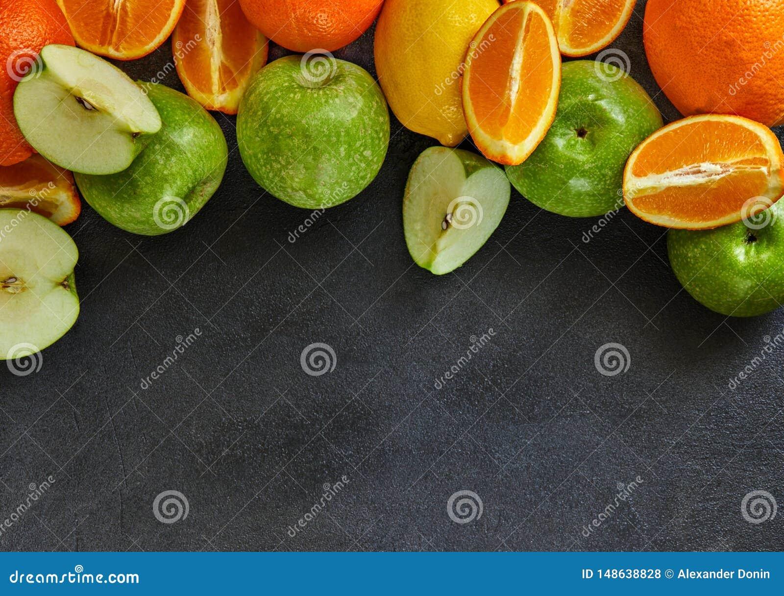 Pojęcie zdrowy łasowanie, świeży cytrus i jabłka,