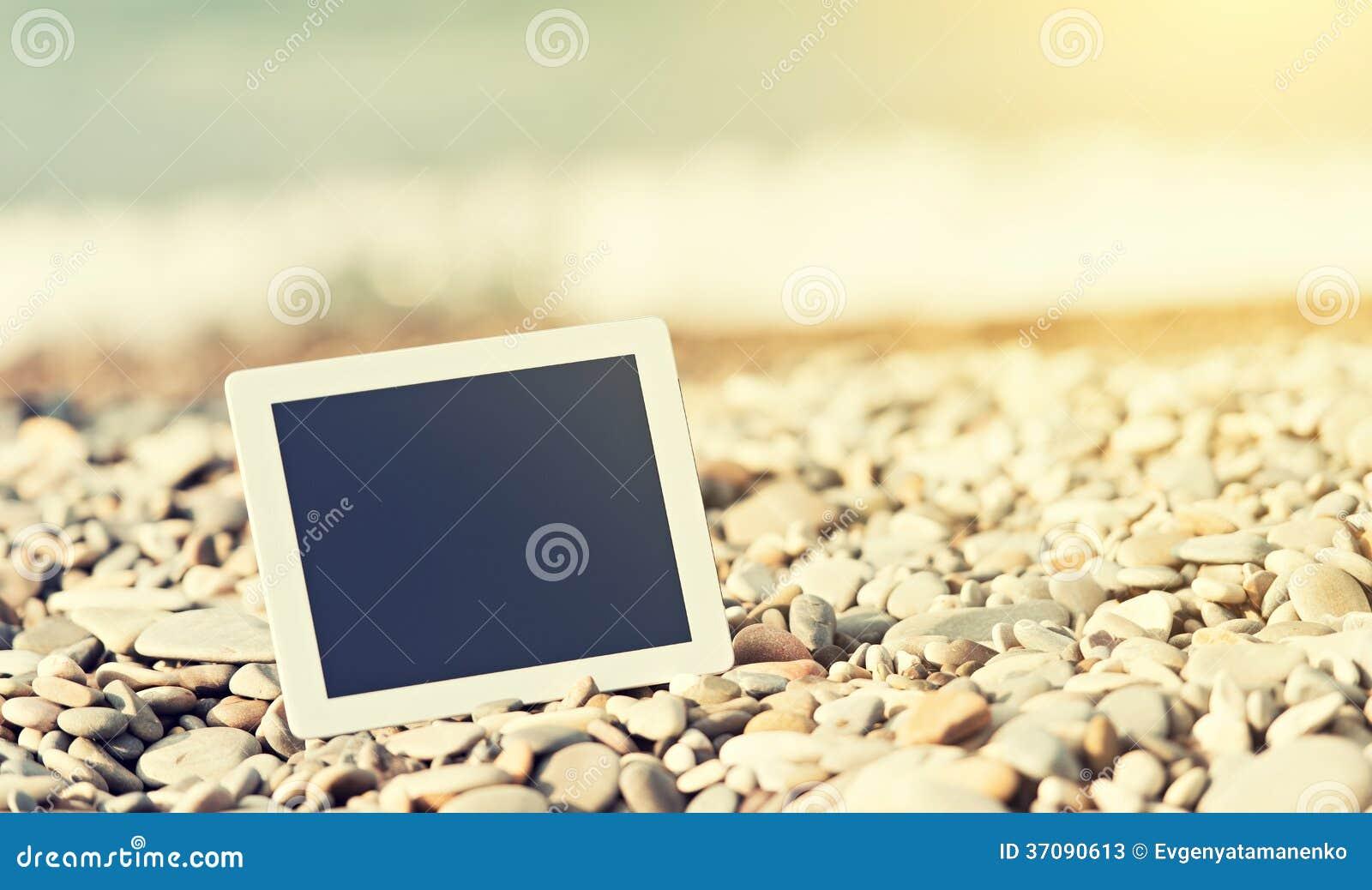 Download Pojęcie Internet I Komunikacja. Pusty Pastylka Komputer Dalej Obraz Stock - Obraz złożonej z dzień, pojęcia: 37090613