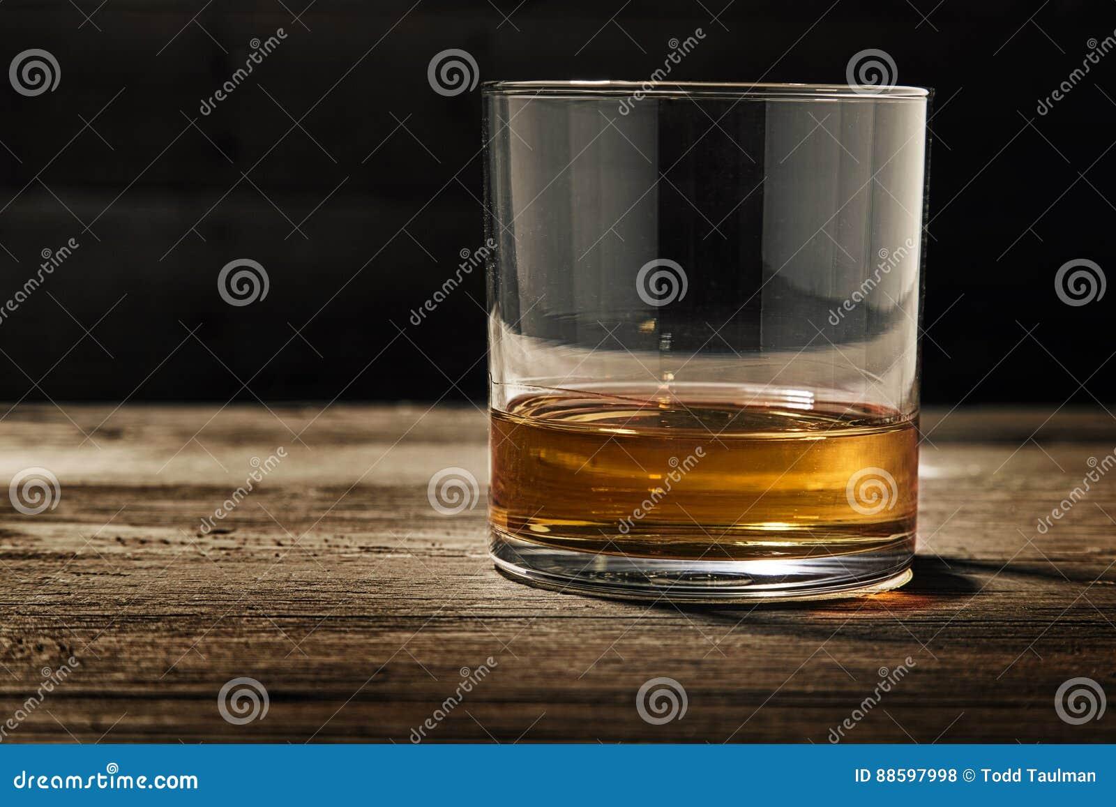 Pojedynczy szkło Prosty bourbon