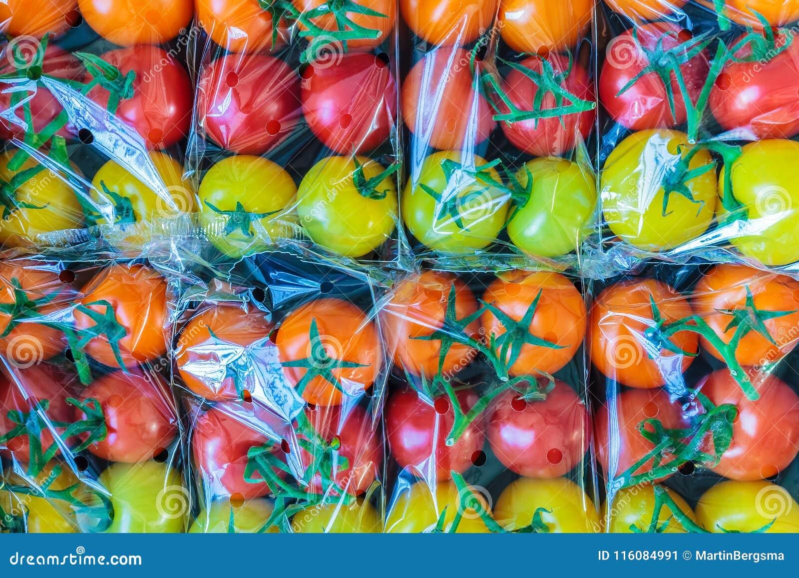Pokaz świeży klingeryt zawijający czereśniowi pomidory