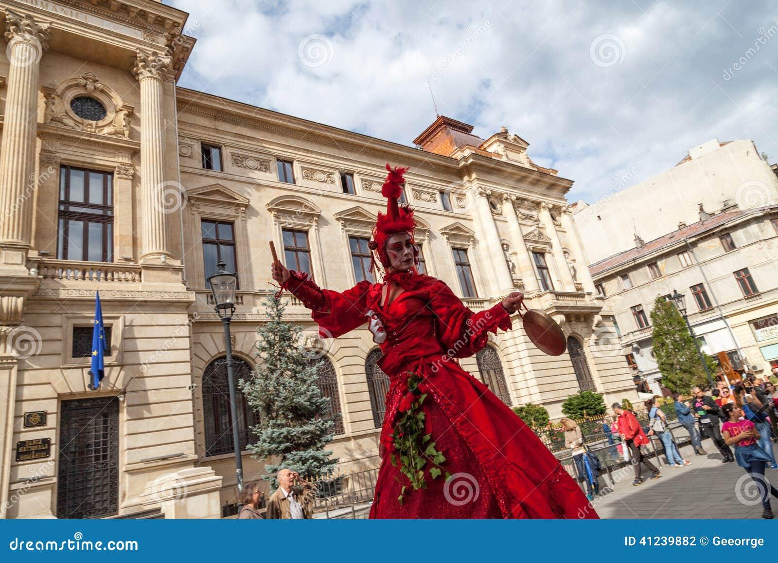 Pokazuje inside B-FIT w Ulicznym Bucharest 2014