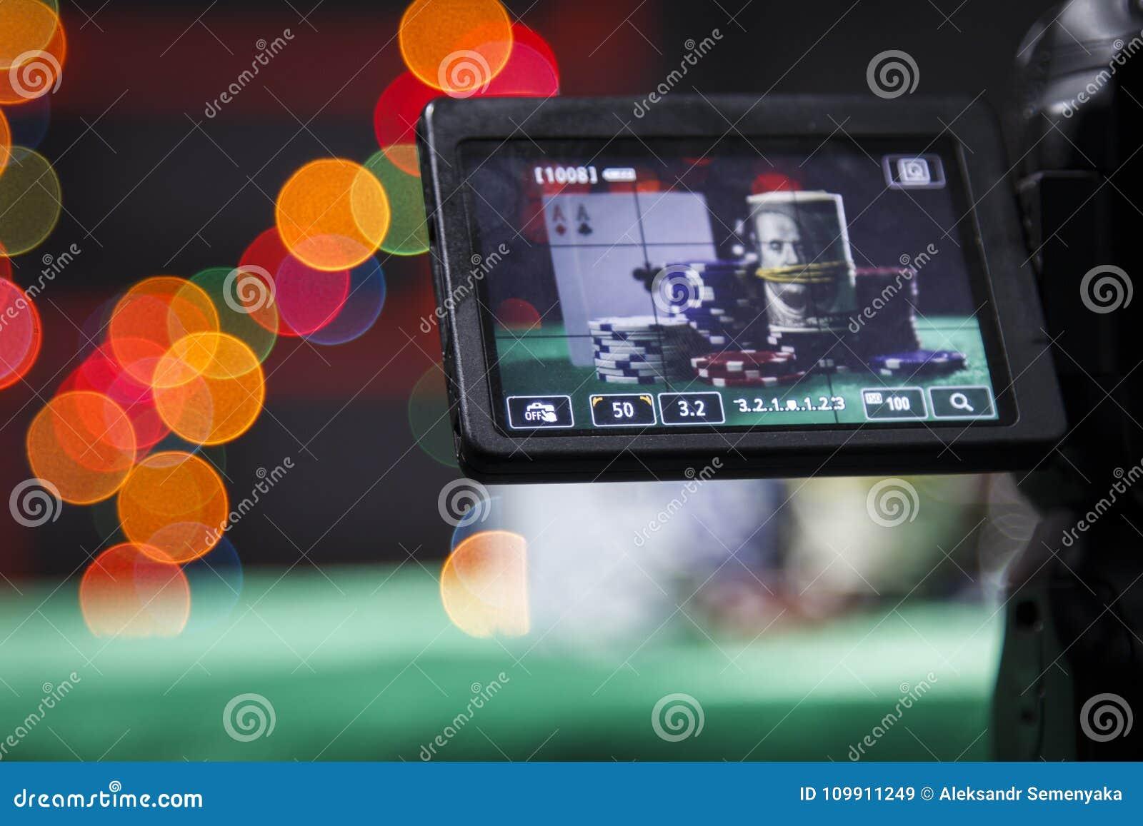 Pokerchips im Sucher auf Kamera