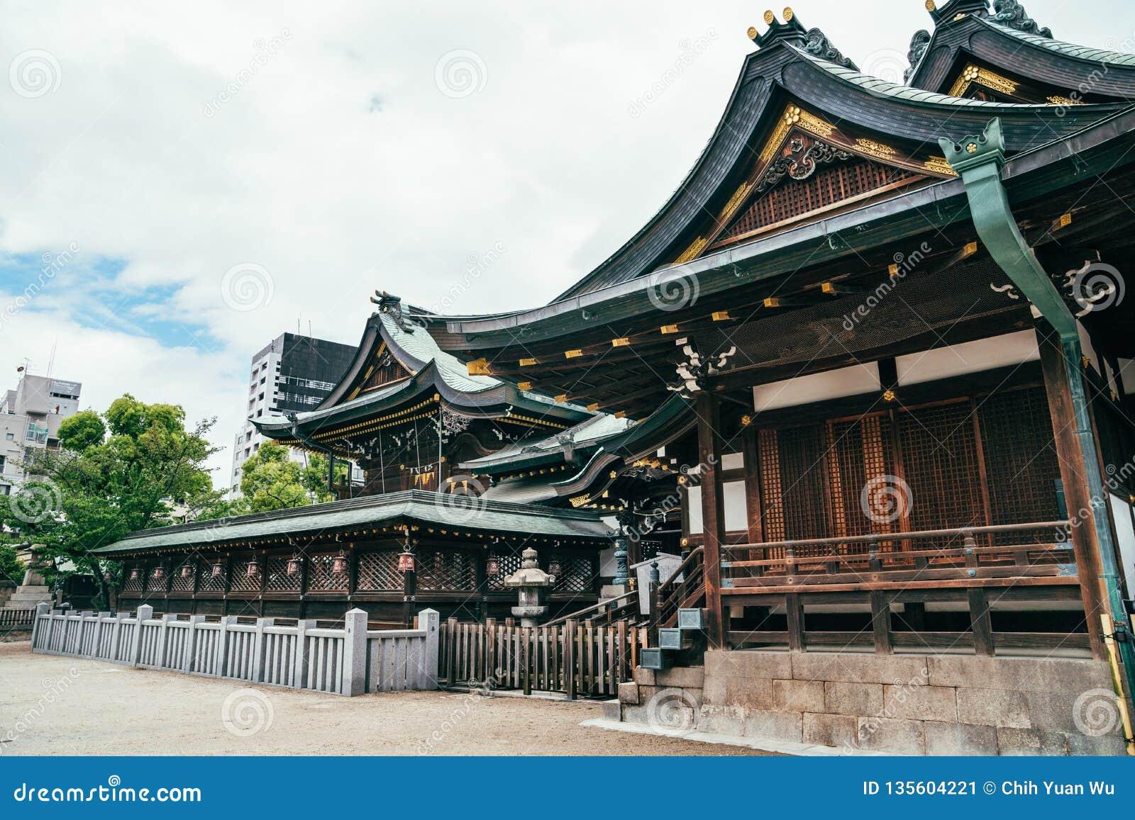 Pokojowa spokojna tenmangu świątynia