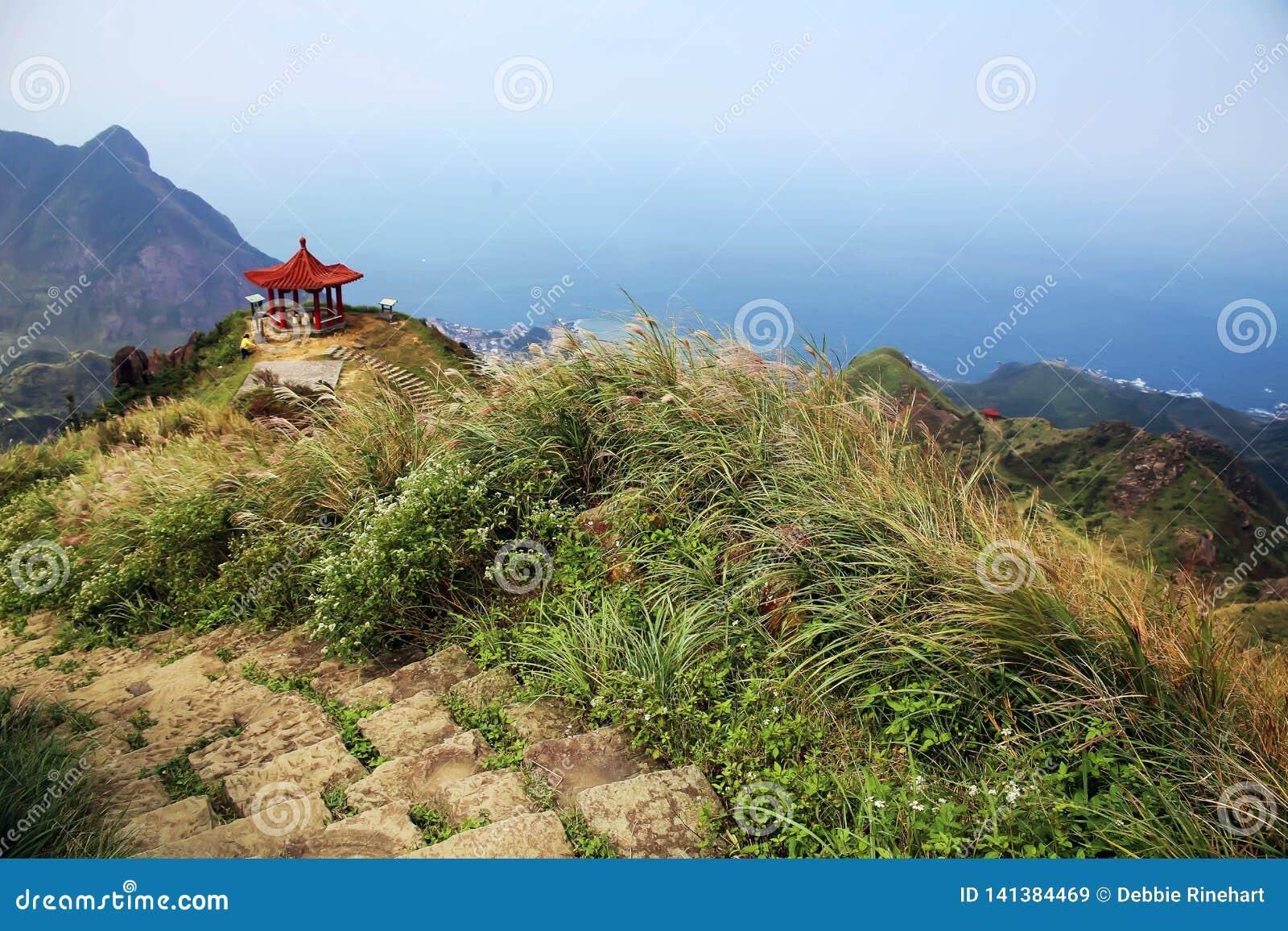 Pokojowy widok od teapot góry w Taiwan