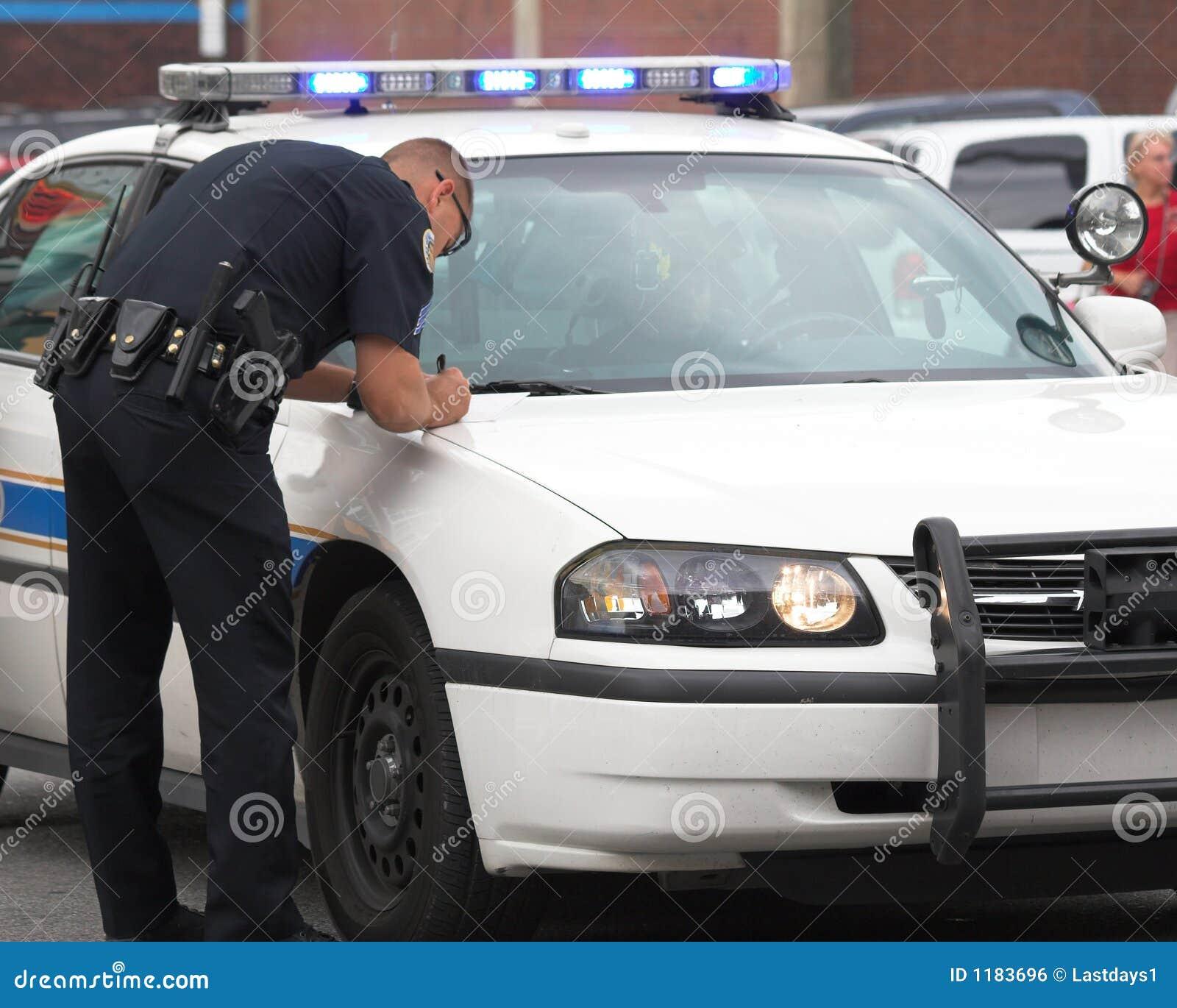 Polícia que faz o relatório