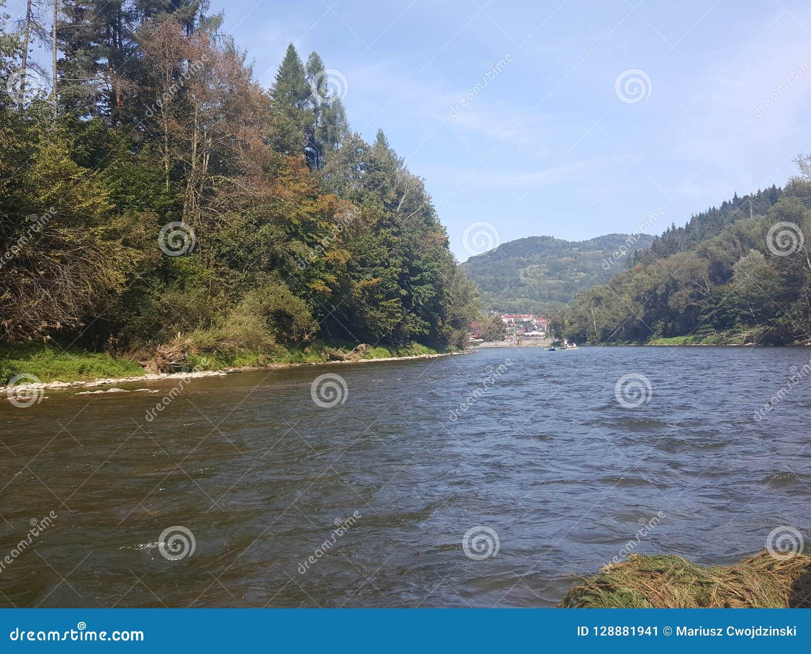 Poland, Malopolska, Pieniny - Dunajec river rafting.