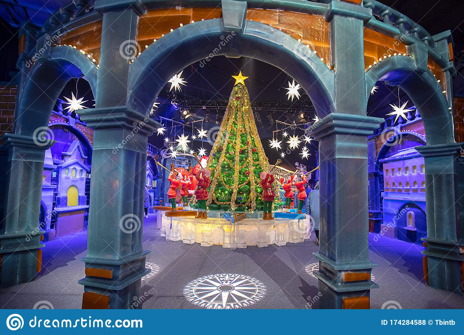 Polar Express Animated Film Scene Of Trumpet Orchestra Around Christmas Tree At The North Pole ...