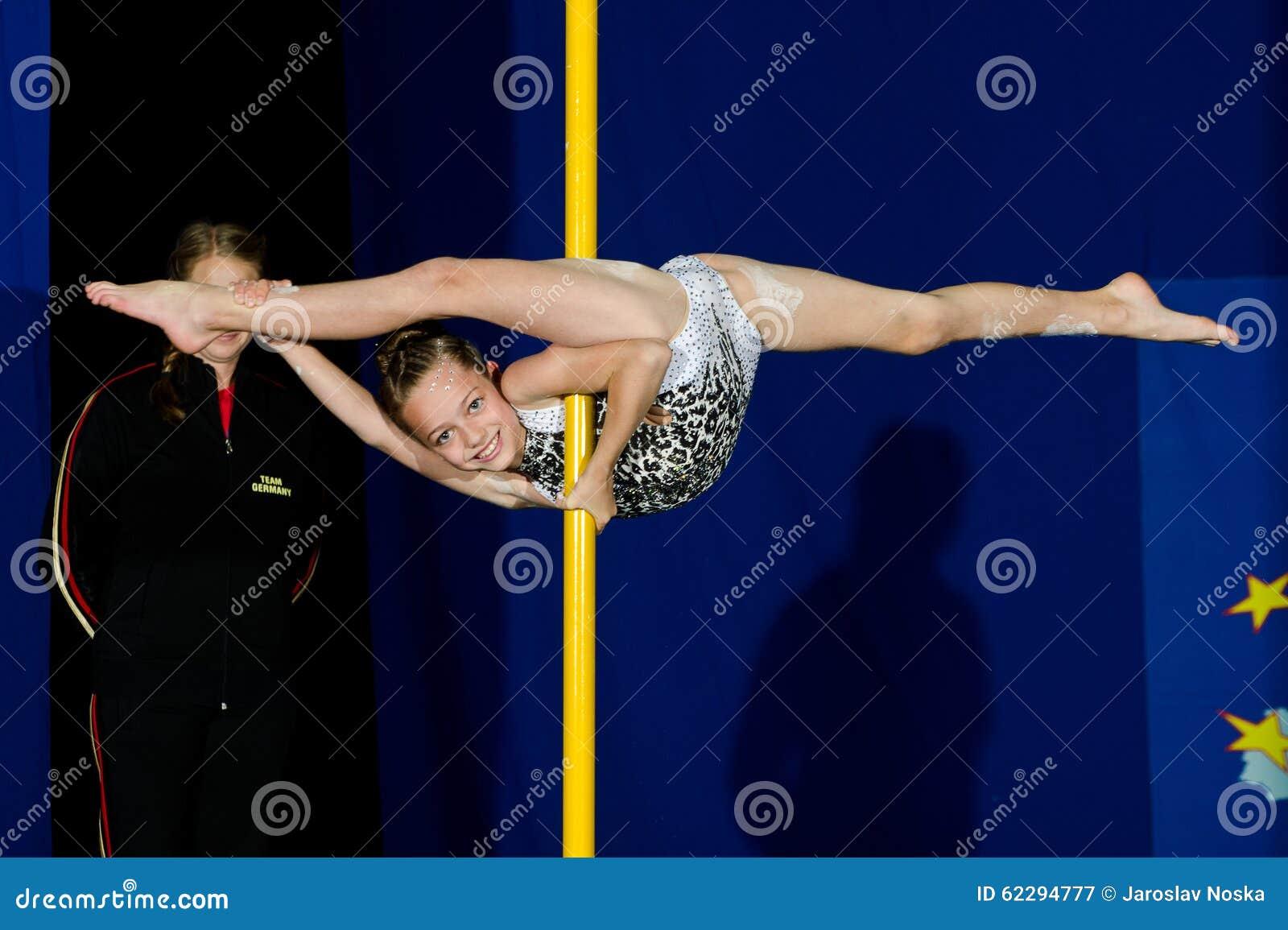 pole dance junior