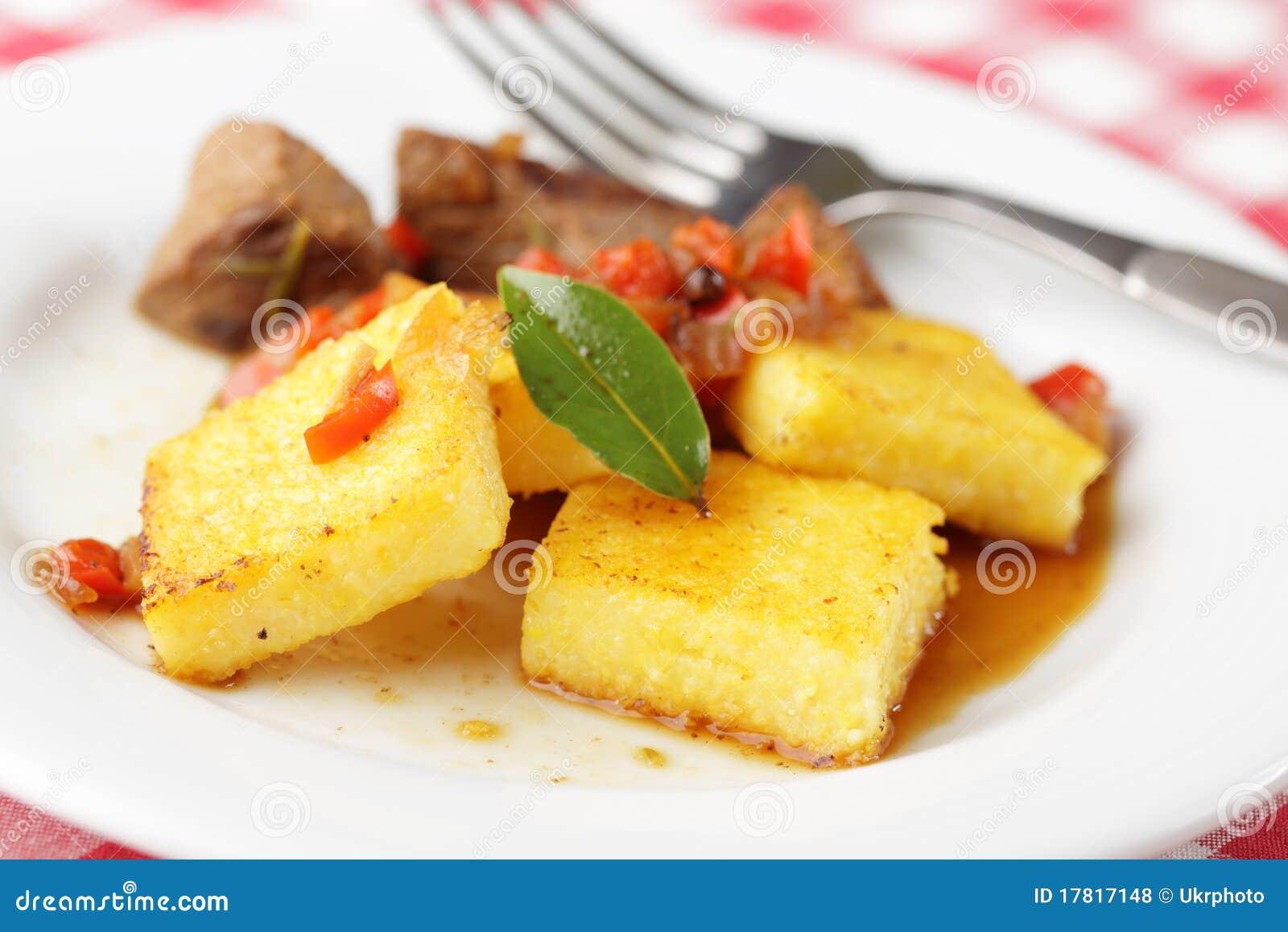 Polenta con carne