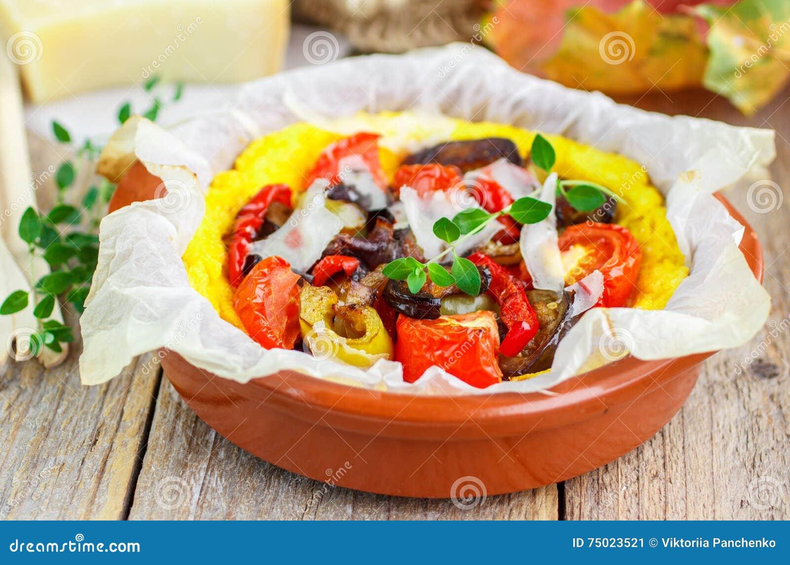 polenta cuit au four avec les tomates l 39 aubergine le. Black Bedroom Furniture Sets. Home Design Ideas