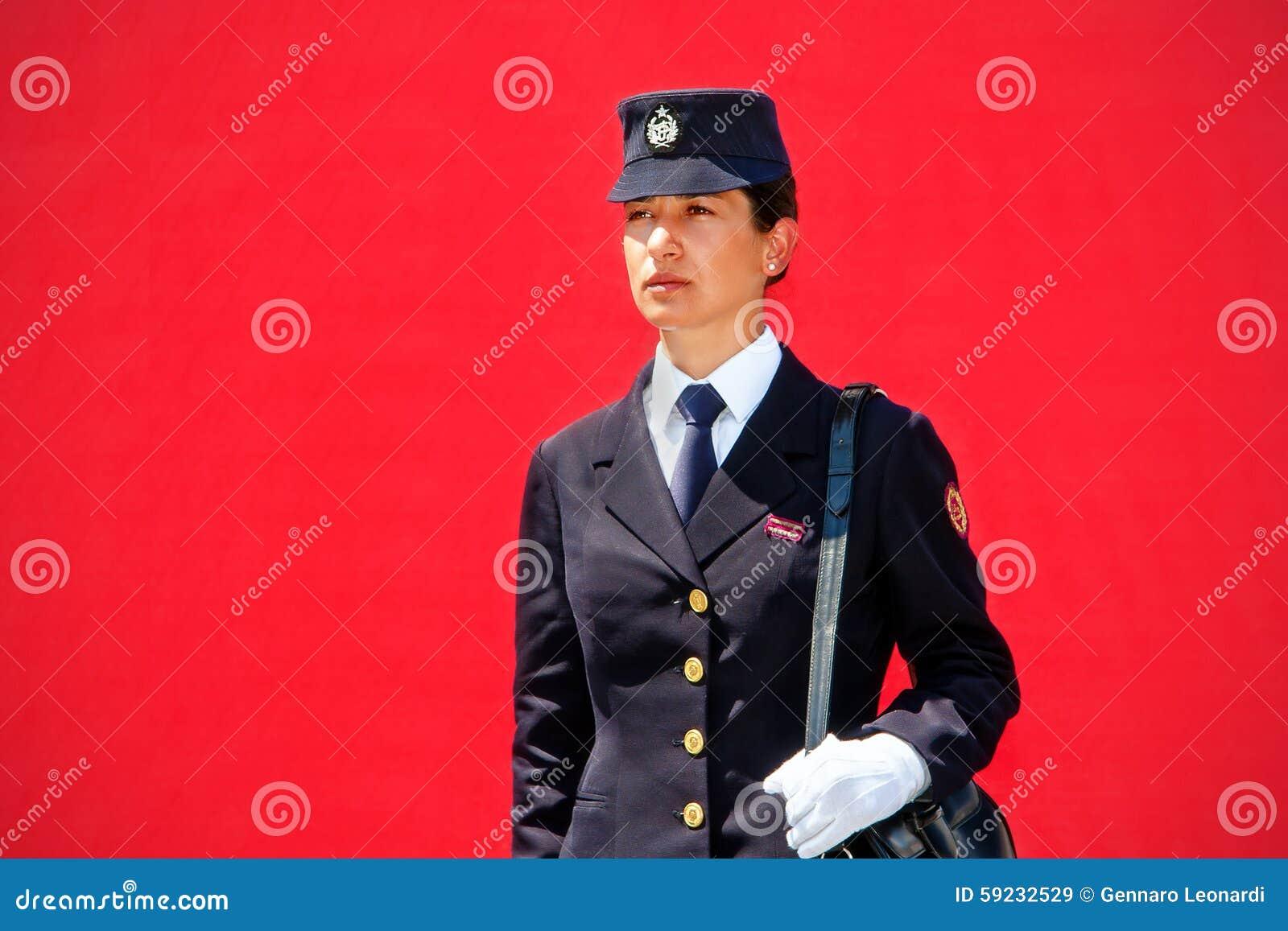 Download Policía Uniforme Histórica De La Mujer Imagen de archivo editorial - Imagen de histórico, sombrero: 59232529