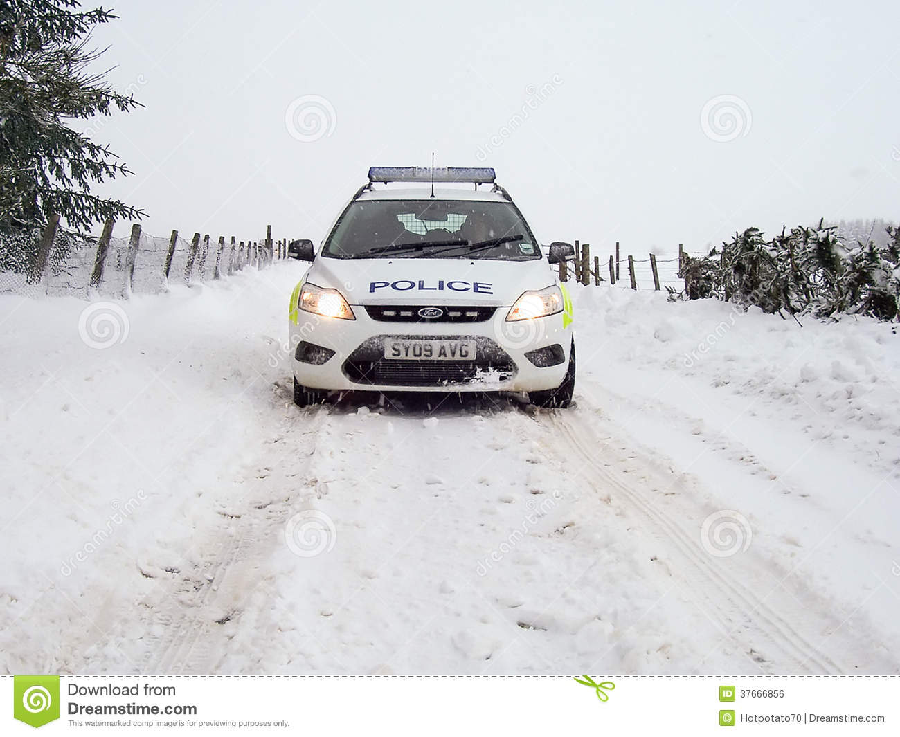 police car in the snow in scotland editorial photo image 37666856. Black Bedroom Furniture Sets. Home Design Ideas
