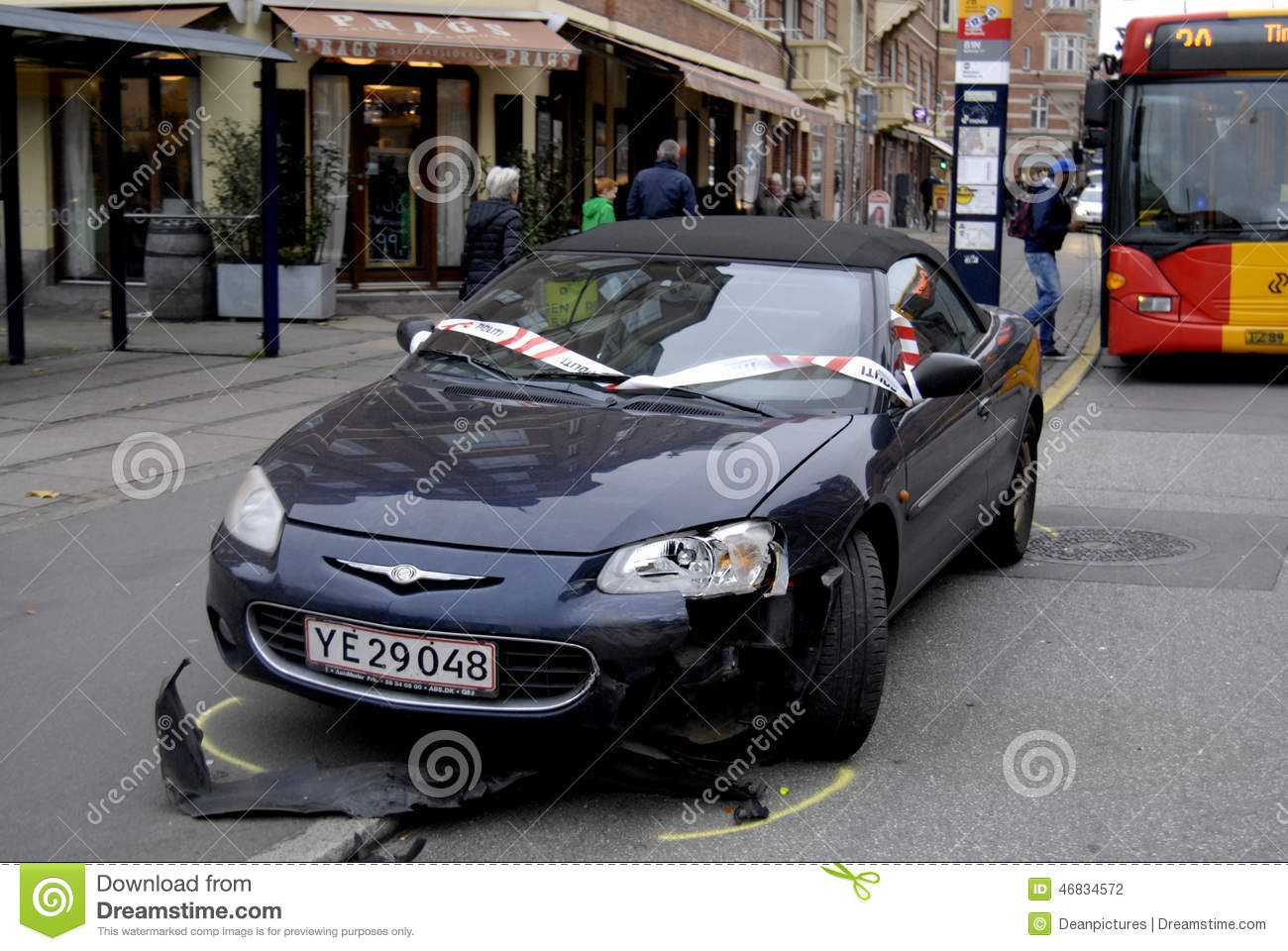 POLICE CLEAR AUTO ACCIDENT editorial photography  Image of finance